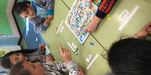 Buddies: 5 años y sexto enseñando a jugar. 20