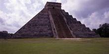 Cara oeste de El Castillo, Chichén Itzá, México