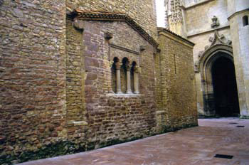 ábside de la iglesia de San Tirso el Real, Oviedo, Principado de