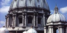 Cúpula de la basílica de San Pedro del Vaticano, Italia
