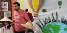 """Infantil 3 años y 1º de Primaria visitan los expositores del la """"Vuelta al Mundo"""""""