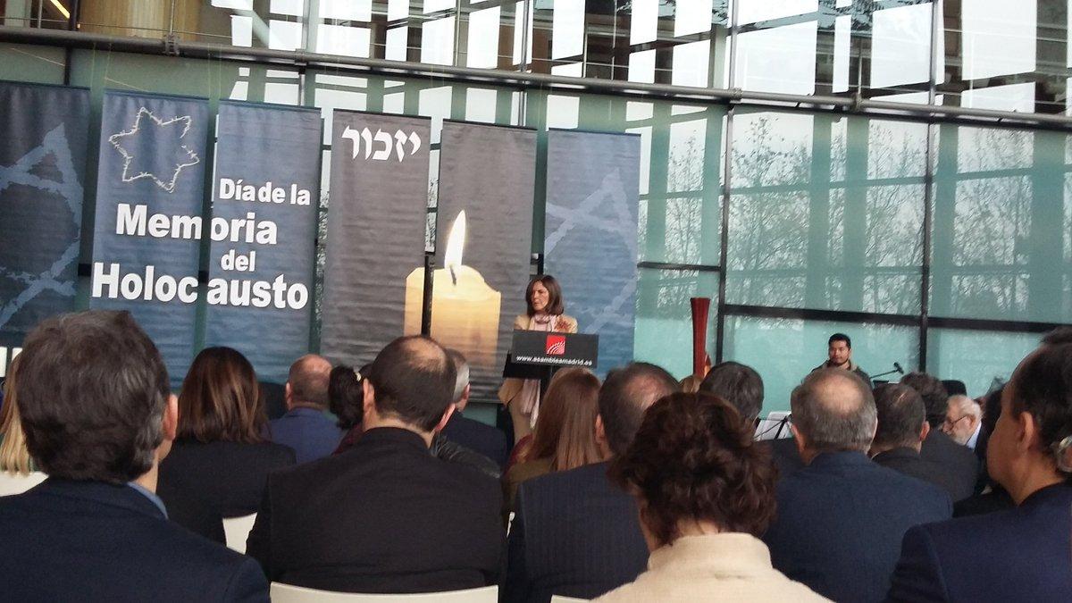La Presidenta de la Asamblea de Madrid Excma. Sra. Dña. Mª Paloma Adrados Gautier