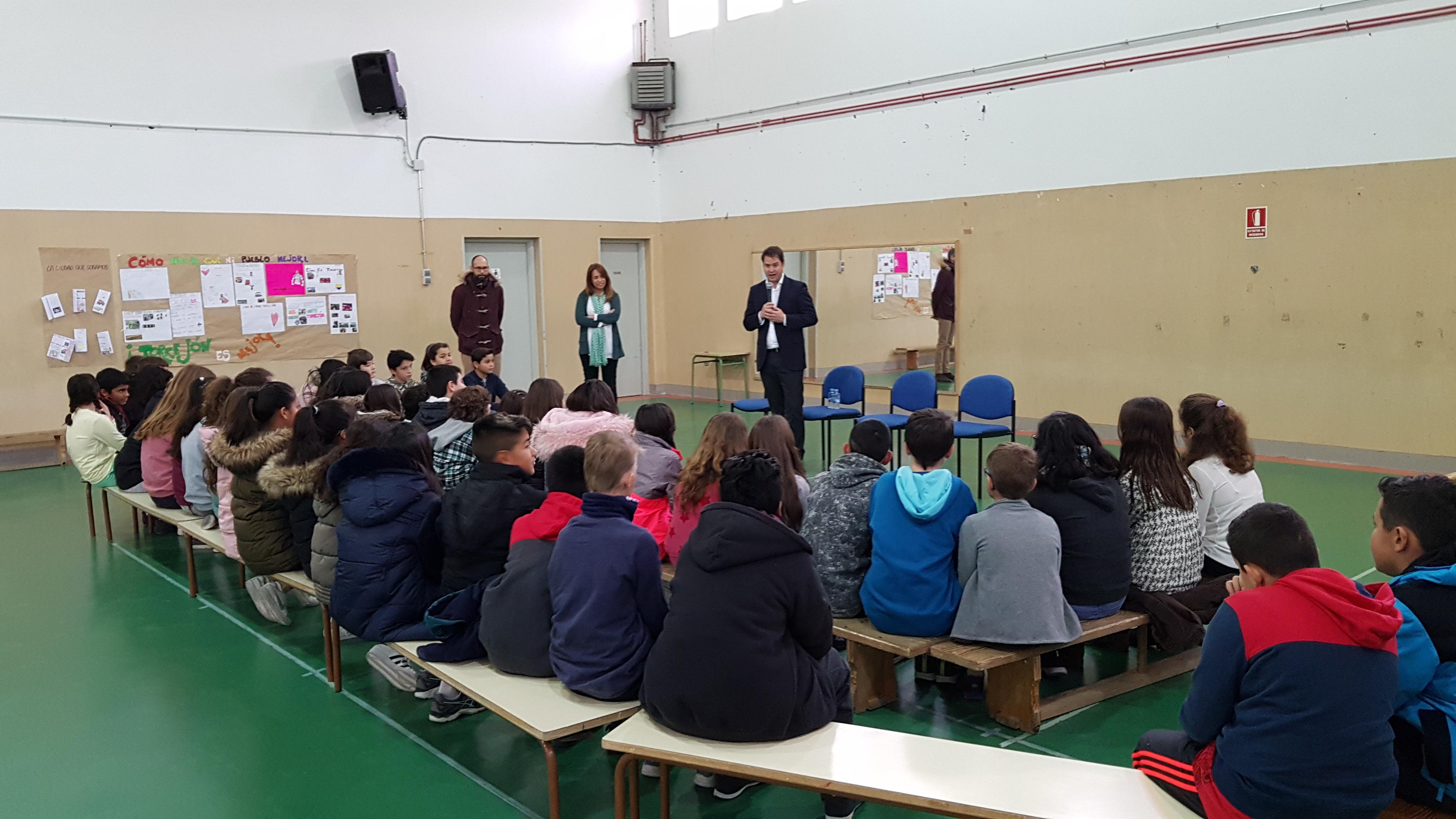 Visita del Alcalde de Torrejón de Ardoz al CEIP Andrés Segovia 6