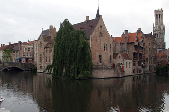 Vista desde Rozenhoedkaai, Brujas, Bélgica