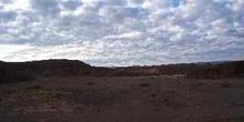 Nubes y desierto de piedra en Alto Atlas, Marruecos