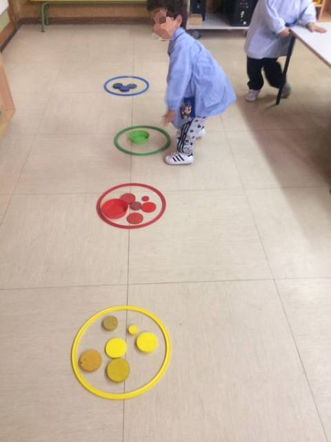 2016_11_Infantil 3 años A desarrolla el pensamiento lógico-matemático