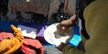 Bendición de los miembros de la expedición con harina
