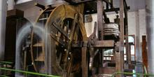 Vista lateral de máquina de ventilación de mina mediante fuelles