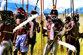 Tradición alterada por influencia occidental, Irian Jaya, Indone