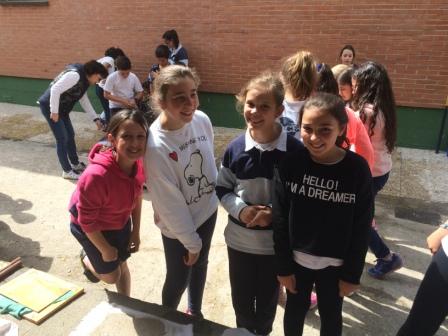 2017_04_21_JORNADAS EN TORNO AL LIBRO_TALLER PAPEL RECICLADO_5º Y 6º 19