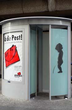 Urinario de diseño en Dusseldorf, Alemania