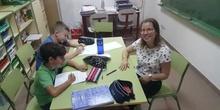 Eva shows her TP classroom to us