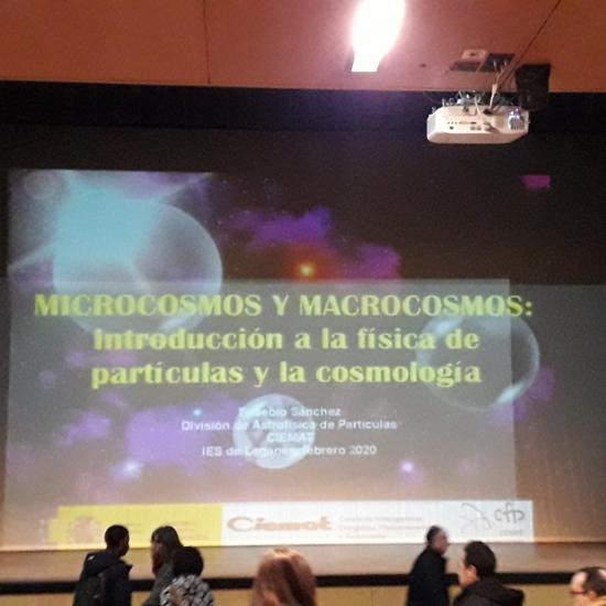 Conferencia Cosmología Título
