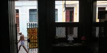 Calle de Olinda, vista desde un portal, Pernambuco, Brasil