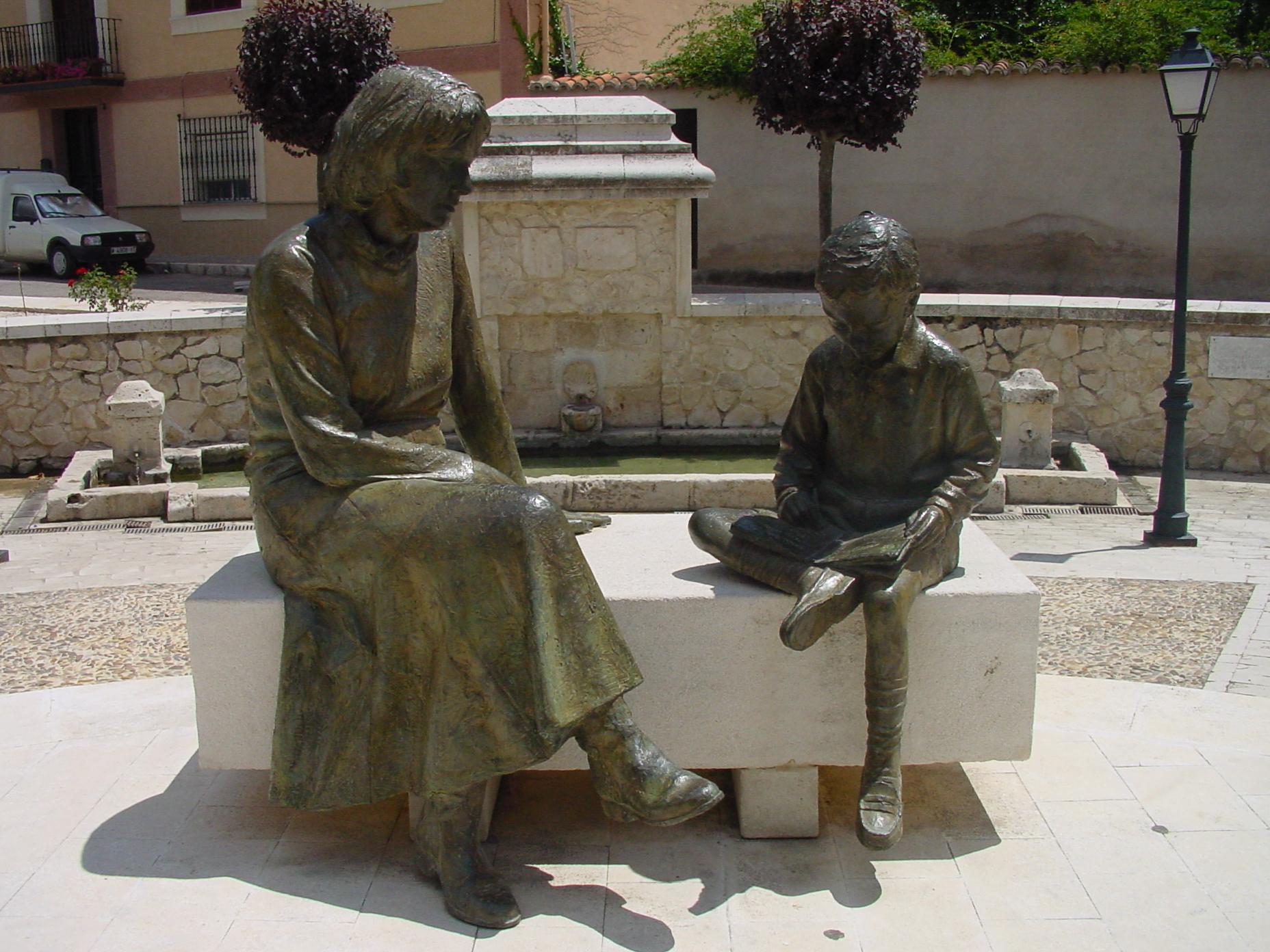 Monumento a las Madres de Perales de Tajuña