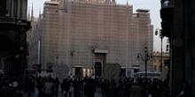Fachada del Duomo en restauración, Milán