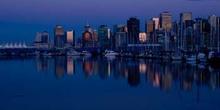 Vista noctura de Vancouver