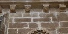 Adornos con cabezas. San Miguel de Foces, Huesca