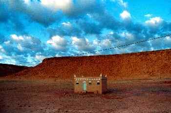 Construcción aislada cerca de Telouet, Marruecos