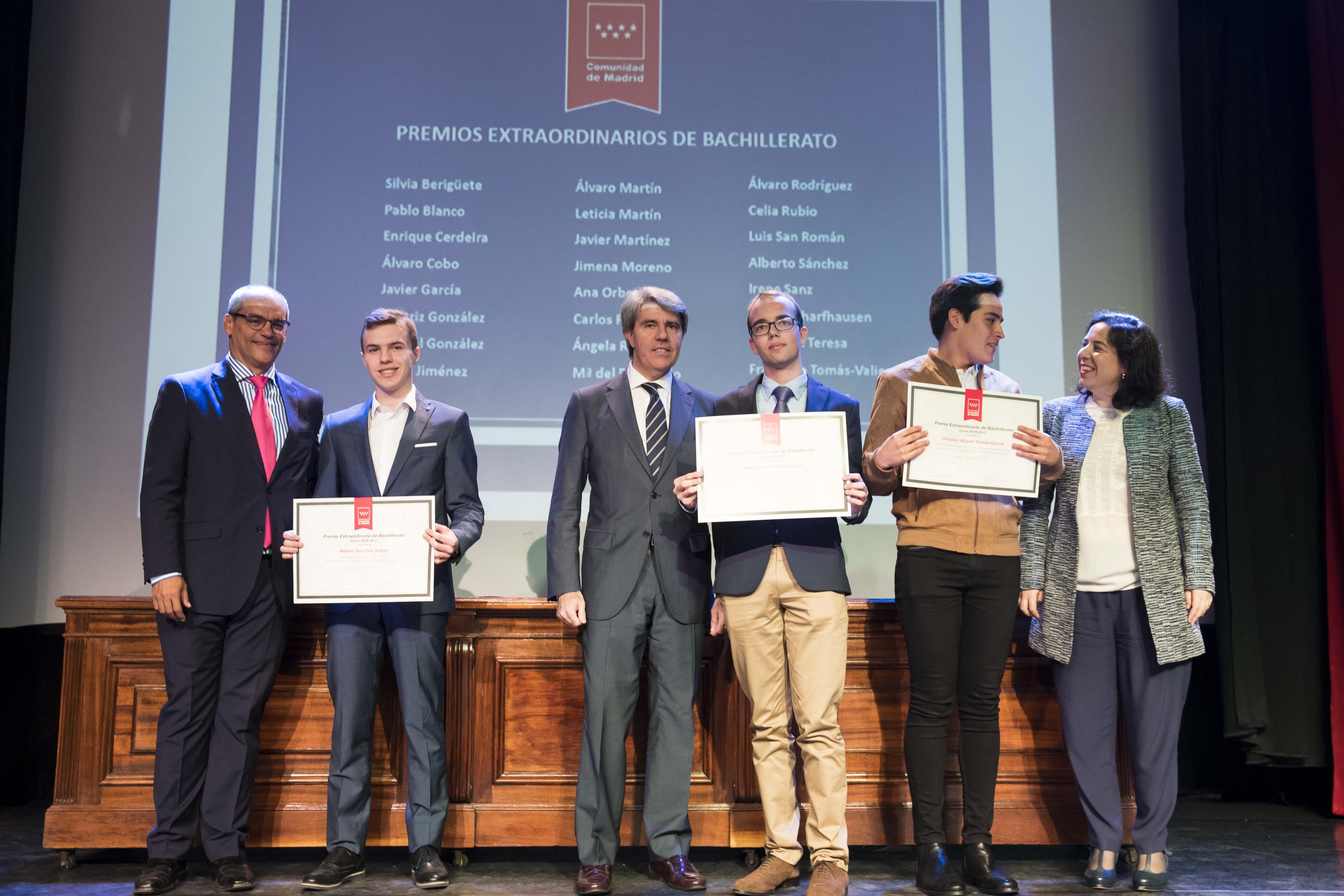 Entrega de los premios extraordinarios correspondientes al curso 2016/2017 13