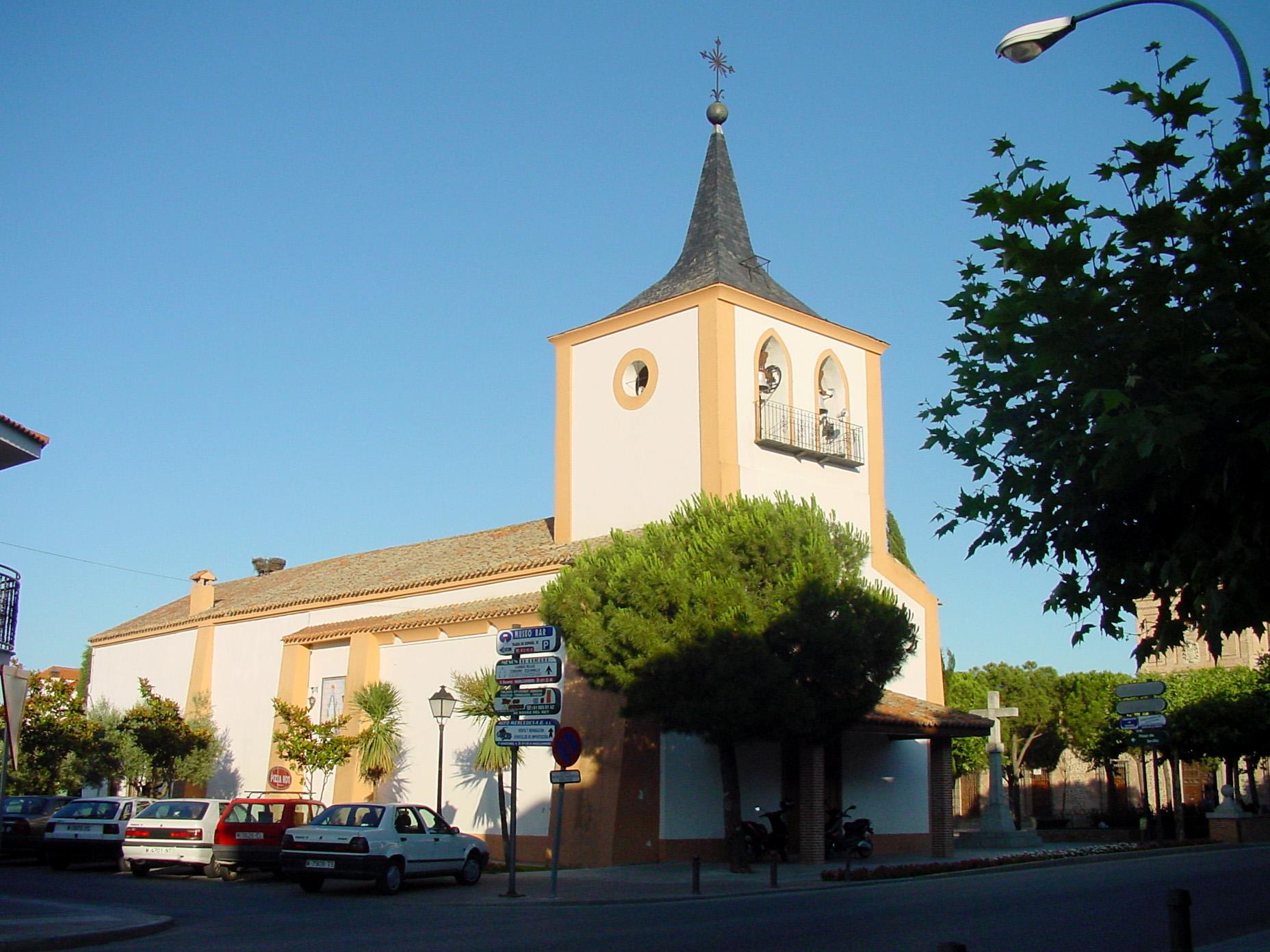Iglesia en Sevilla la Nueva