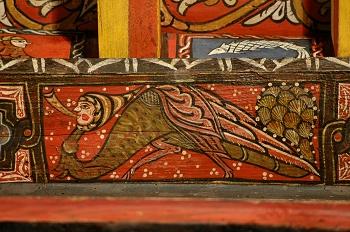 Detalle de pintura en alfarje. Pájaro con cabeza humana, Huesca