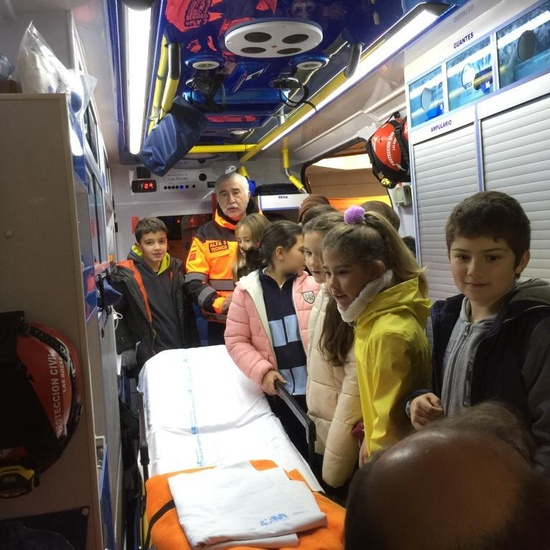 Quinto con los equipos de emergencias de las Rozas_CEIP FDLR_Las Rozas 15