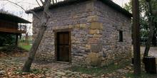 Edificio del pisón o molín de rabilar, Museo del Pueblo de Astur