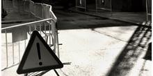 Fotografía artística de una señal de tráfico