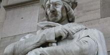 Monumento a Luis Vives