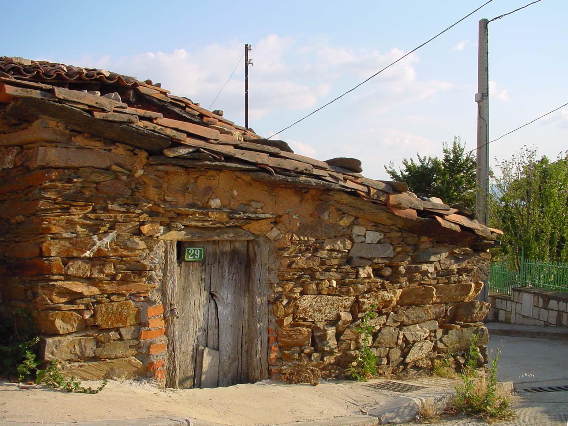 Casa de piedra en Robledillo de la Jara