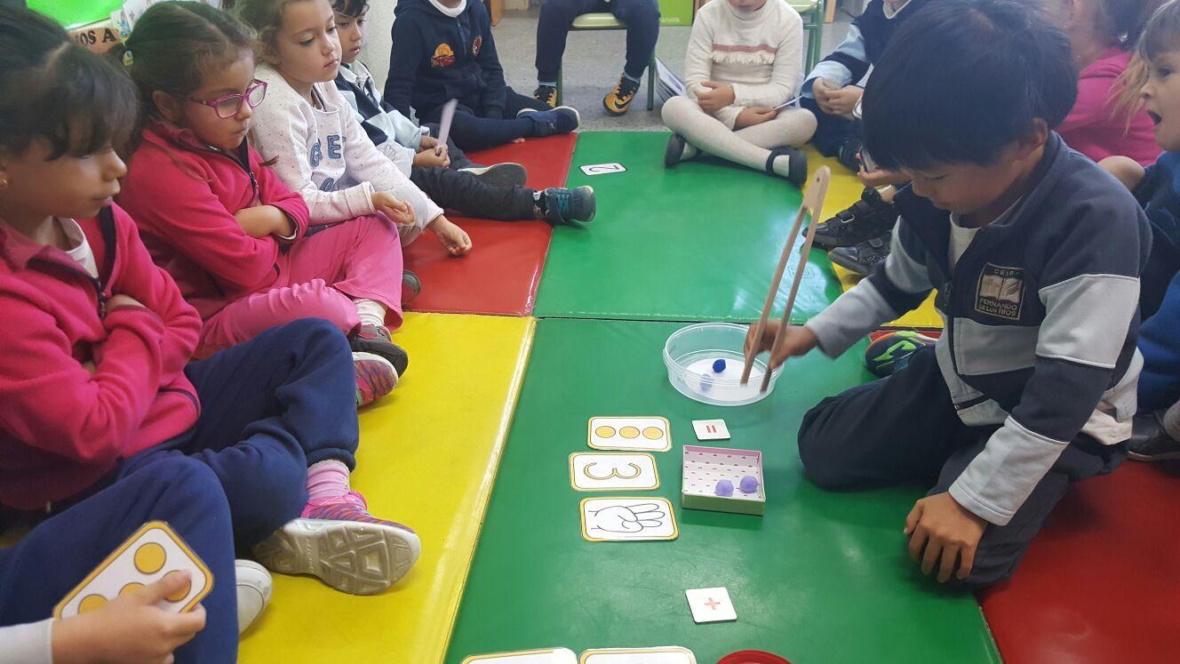 Las abejas de Infantil 5c aprenden a sumar jugando  4
