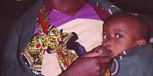 Madre con bebé, Nacala, Mozambique