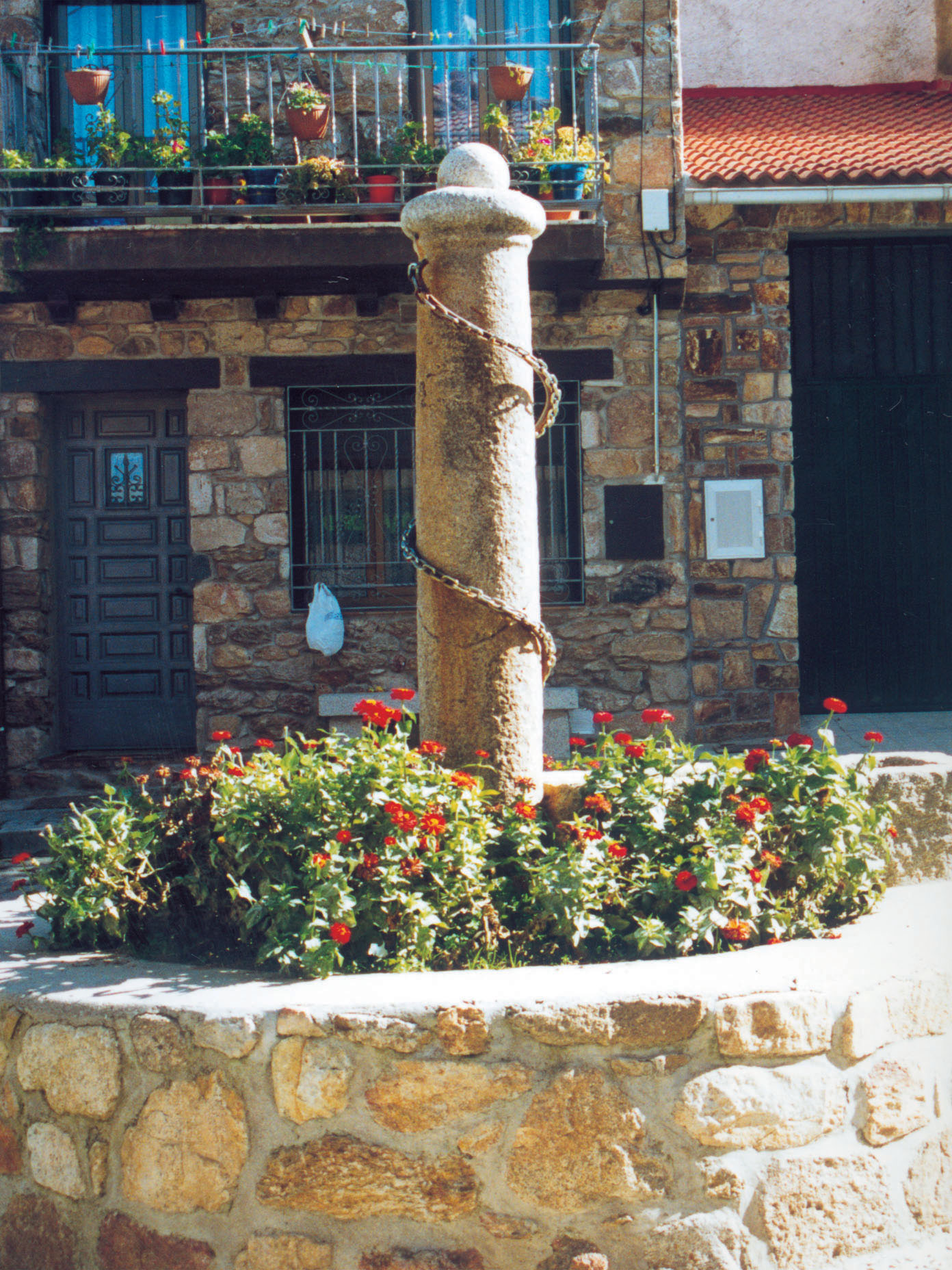Monumento en Garganta de los Montes