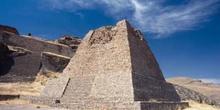 La piramide votiva del conjunto Arqueológico de La Quemada, Vill