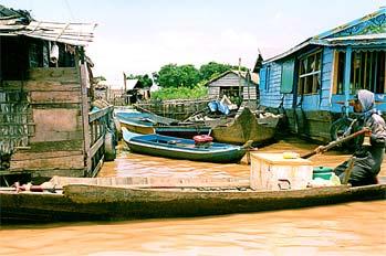 Carreteras fluviales en lago Tonlé Sap, Camboya