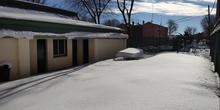 Limpieza de nieve en el colegio