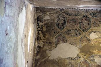 Pintura de conjunto hexágonos de la iglesia de San Miguel de Lil