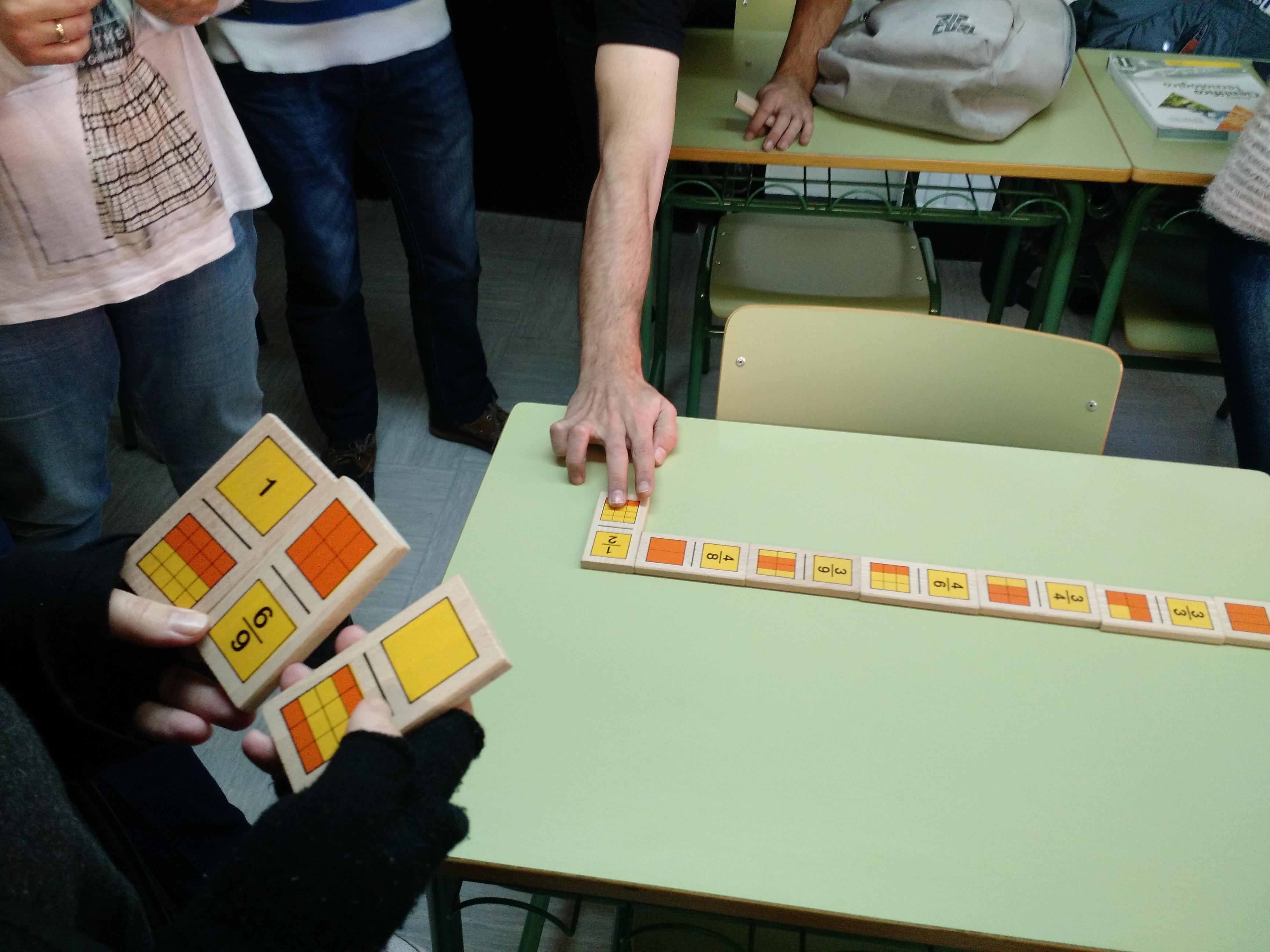 Jugando al dominó (fracciones)