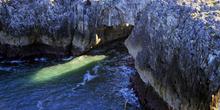 Salto del Caballo de la playa de Cobijeru, Llanes, Principado de