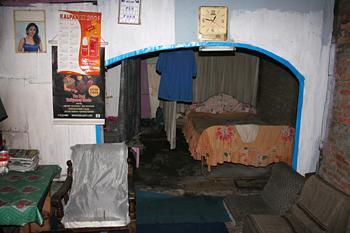 Interior de una vivienda, Copi River, Jogyakarta, Indonesia