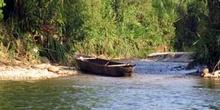 Canoa en el Río Puyo, Ecuador