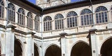 Claustro Antiguo del Monasterio de Irache, Ayegui, Comunidad For