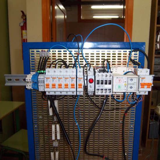 PIA's con rearme automático para sistemas aislados de telecomunicaciones