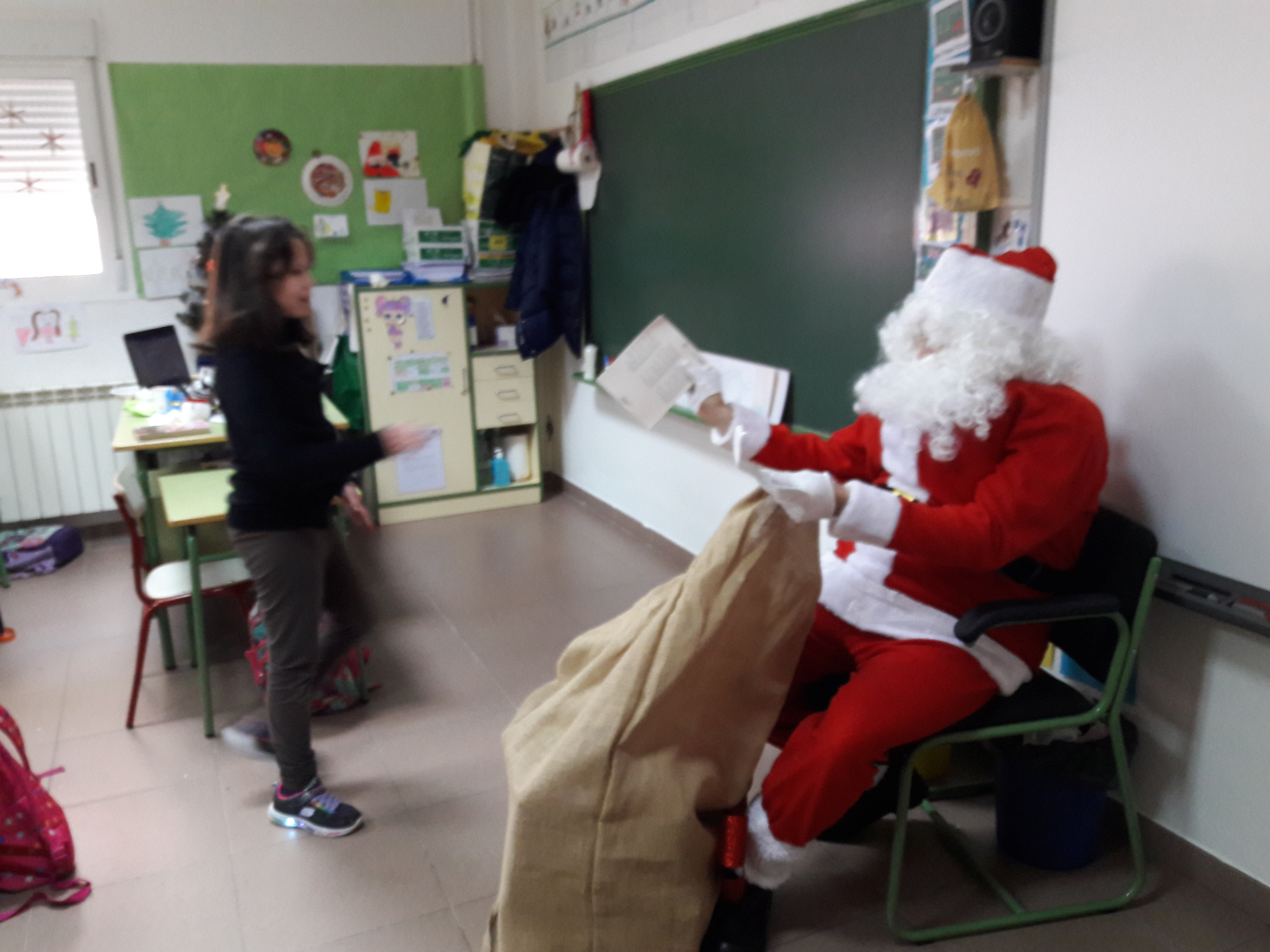 Santa Claus comes to School 22