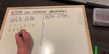 RESTA con números decimales