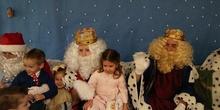 Los Reyes Magos visitan el colegio 12