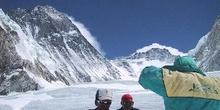 Arista oeste del Everest con pared del Lhotse