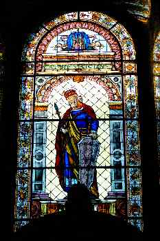 Vidriera de San Enrique, Catedral de San Matías, Budapest, Hungr