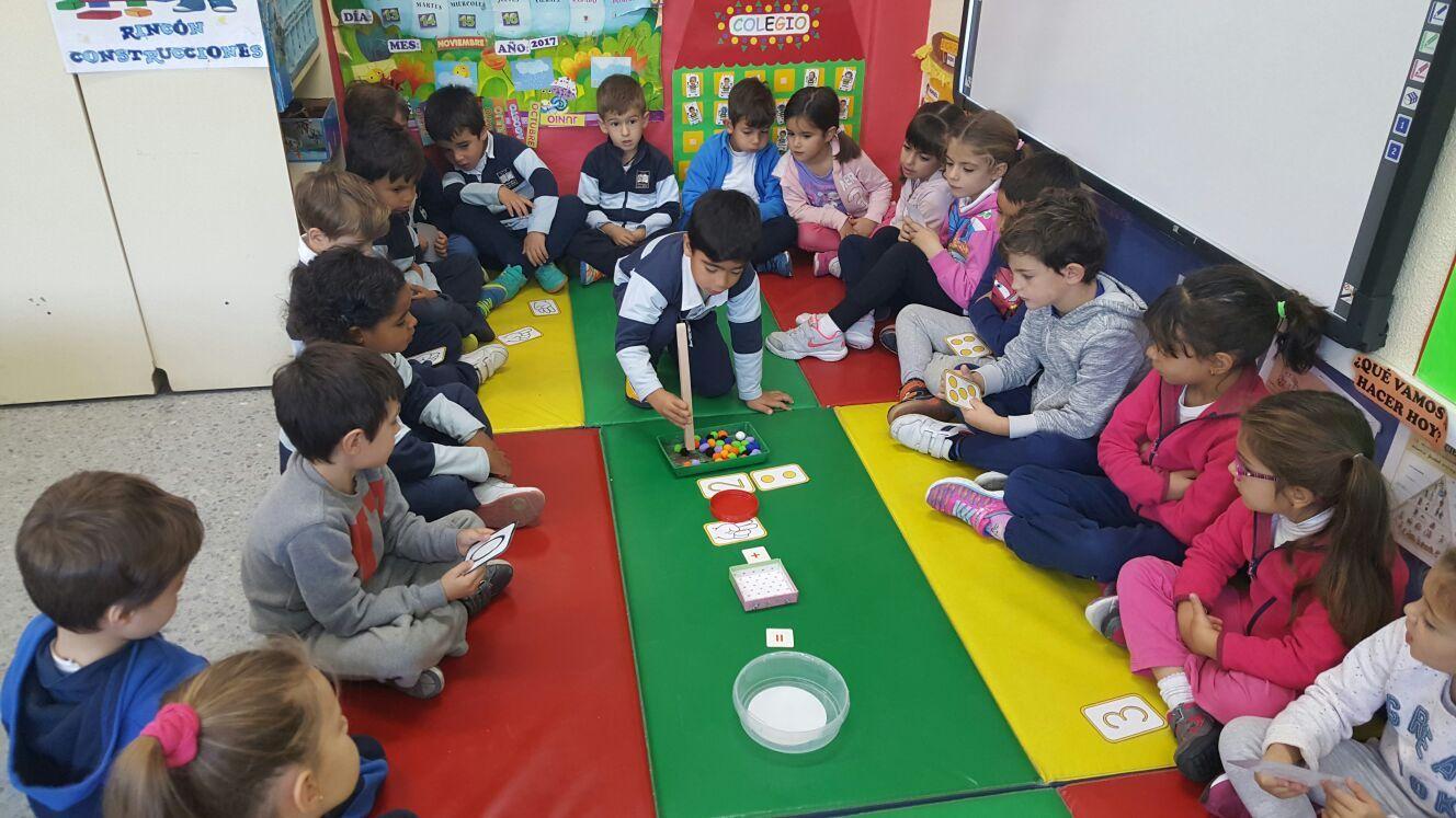 Las abejas de Infantil 5c aprenden a sumar jugando  5